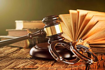 Hình phạt tù chung thân được bãi bỏ đối với các tội gì?