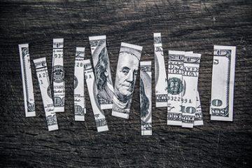 Lừa đảo chiếm đoạt tài sảnthông qua việc trả lại vé số trúng thưởng.